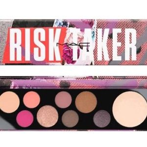 💜MAC Risk Taker Eyeshadow Pallet STUNNING!! New💜